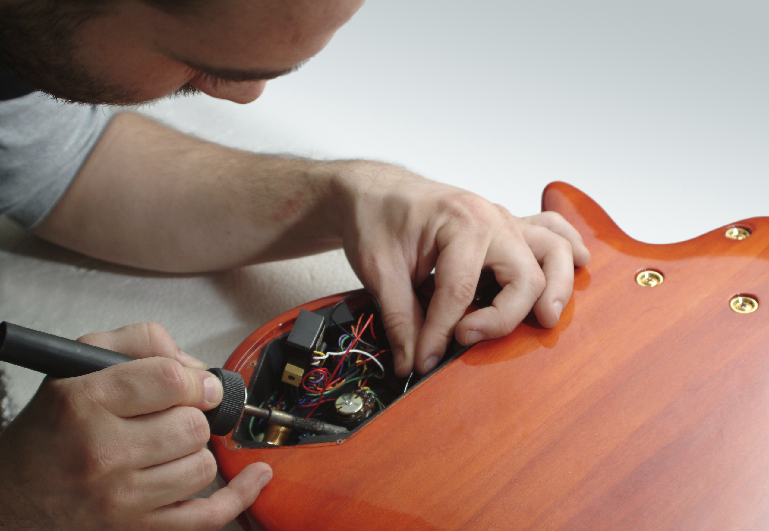 8 Pro Guitar Maintenance Tips – How to Care for Your Guitar or Bass