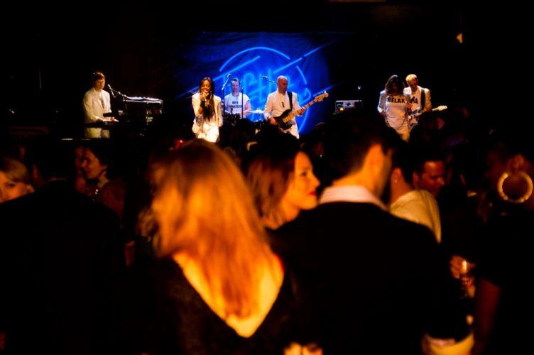 80S Neon 80S Tribute London 2