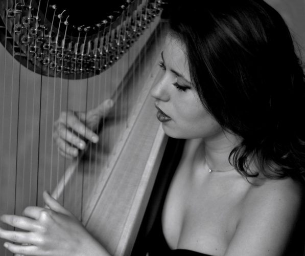 Alexandra Harpist London2