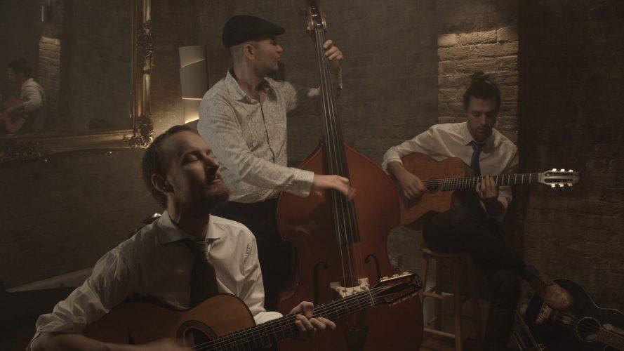 Djangos Jive Gypsy Jazz Band11