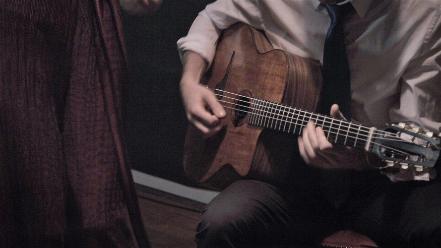 Djangos Jive Gypsy Jazz Band5