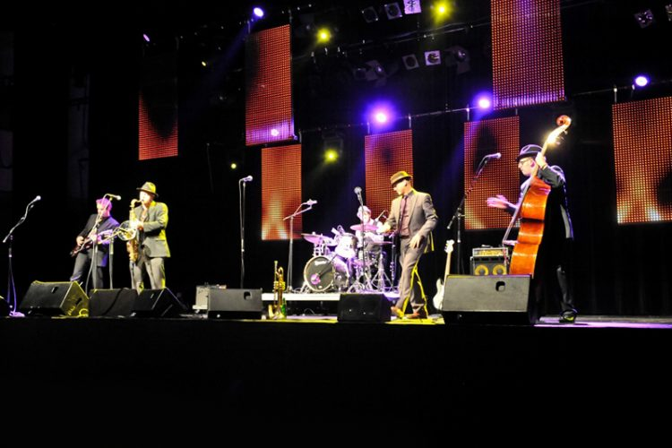 Five Guys Named Moe Wedding Band Kent Live 4