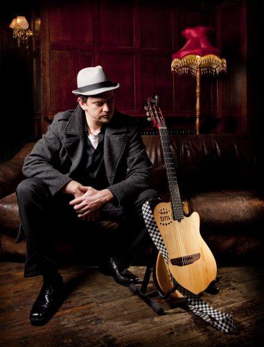 Hugh Guitarist Singer London1