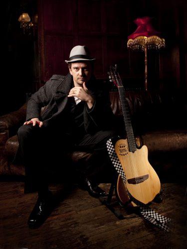 Hugh Guitarist Singer London2