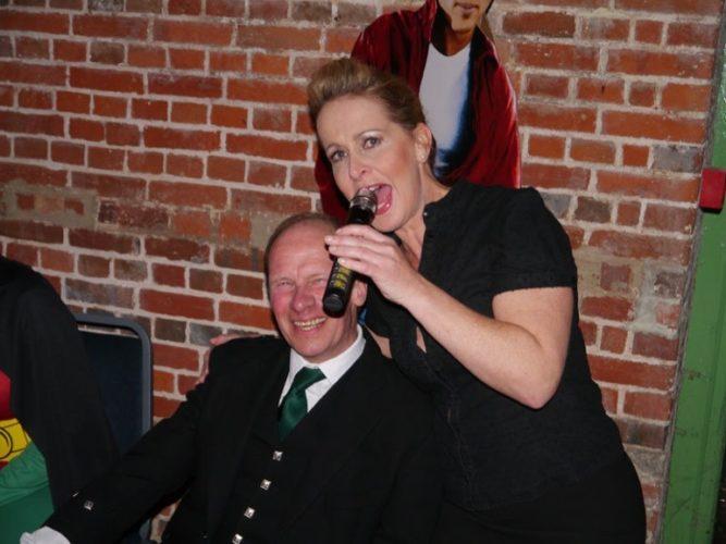 Hush Hush Singing Waiters14