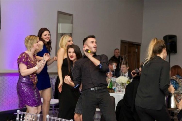 Hush Hush Singing Waiters3