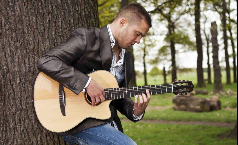 Joseph Guitarist London 4