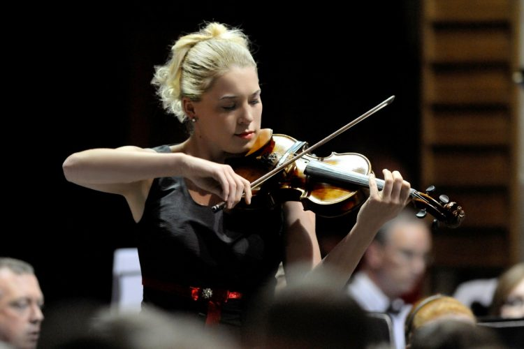 Kate Solo Violinist Leeds 11