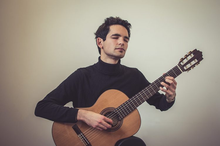 Luis Guitarist Yorkshire2