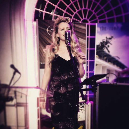 Marie Hire London Vintage Singer
