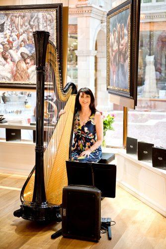 Oona L Harpist1