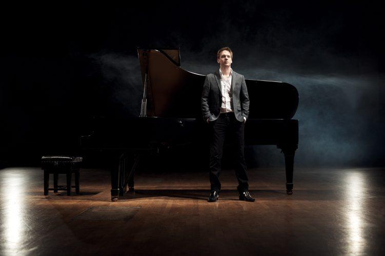 Ricardo Pianist London 2