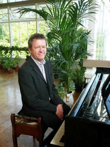 Stuart C Pianist 1
