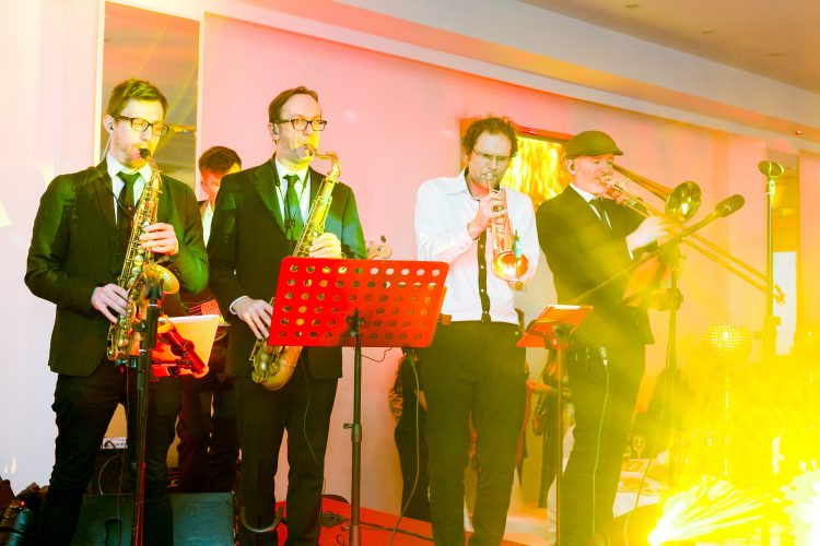 The Fireflies Party Band Hertfordshire5
