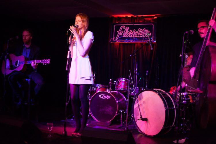 The Shakers Acoustic Band2