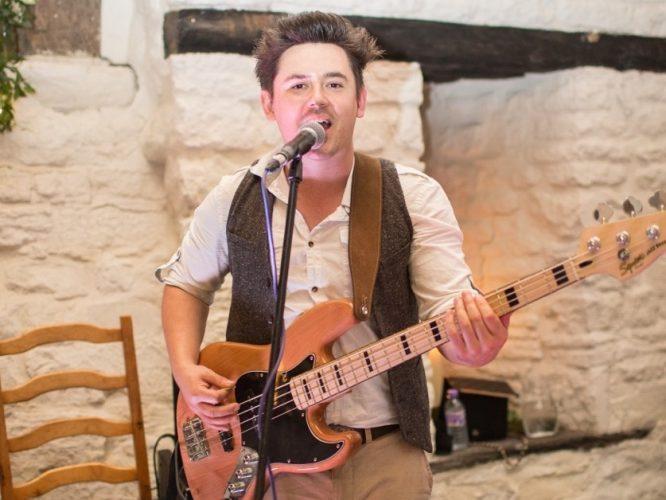 The Shenanigans Wedding Band Oxfordshire 14