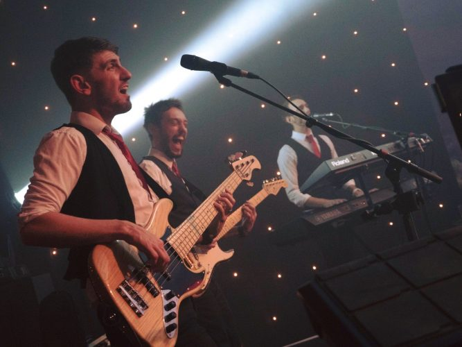 The Starlighters London Wedding Band2