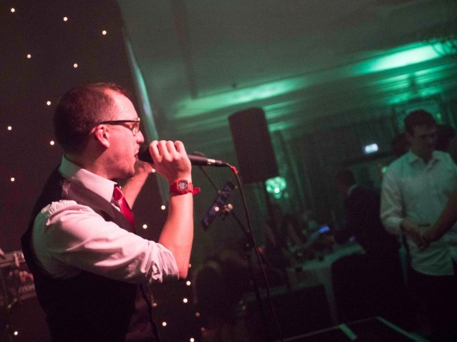 The Starlighters London Wedding Band3