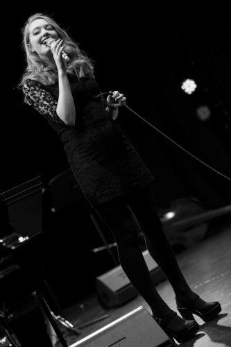 Victoria Singer3