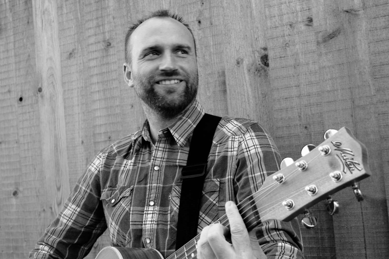 Chris F Wedding Guitarist
