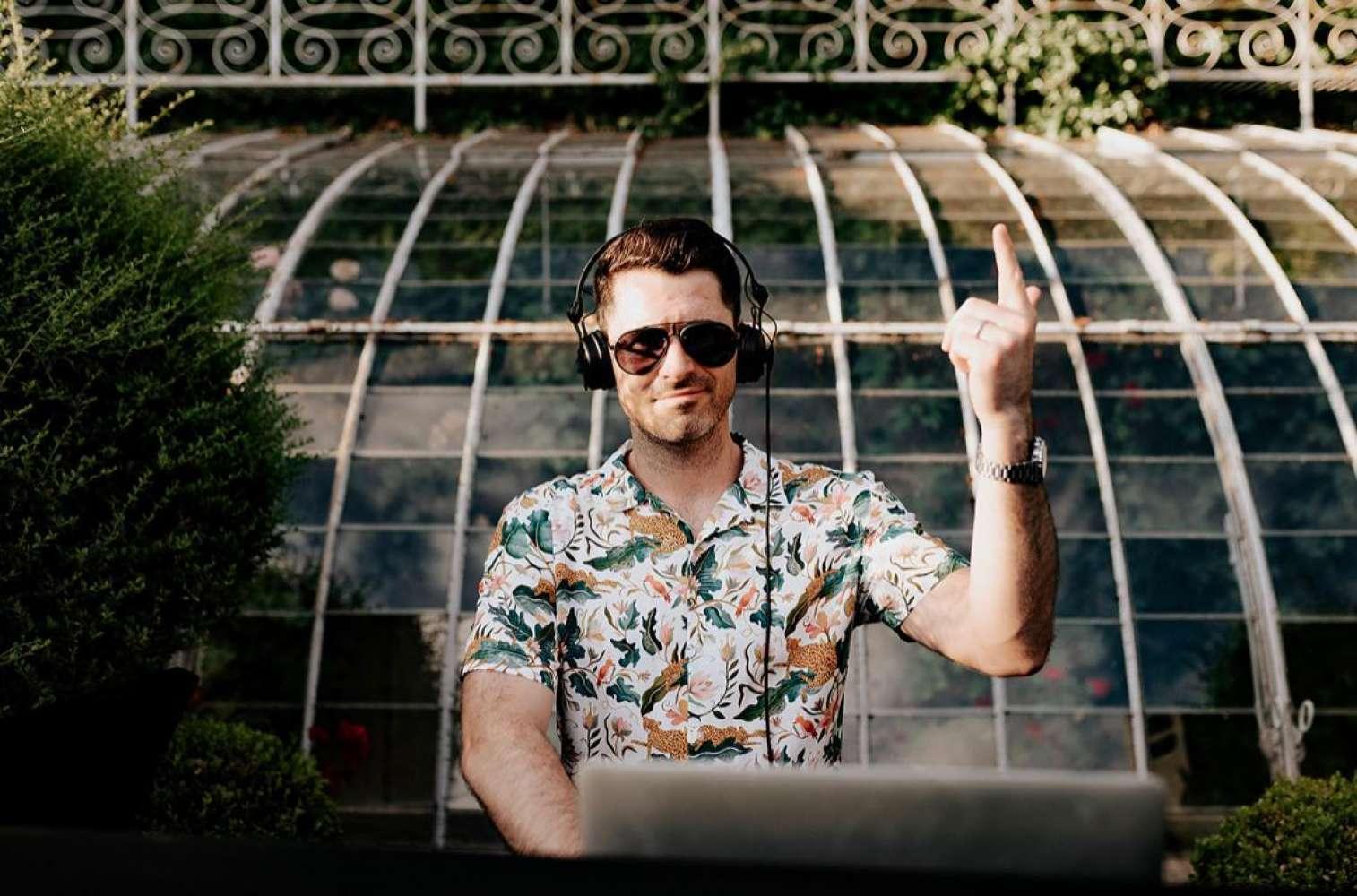 DJ Luke Edward | Gloucestershire DJ For Hire