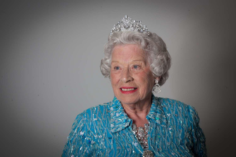 Queen Lookalike MAIN