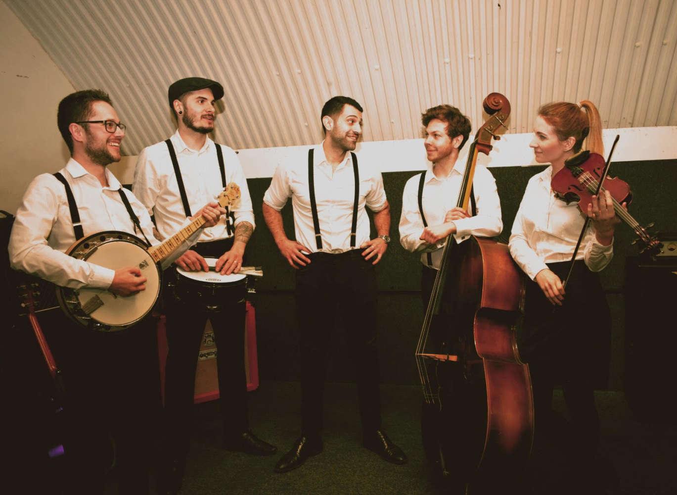 The Runaways Roaming Acoustic Band Wedding Main