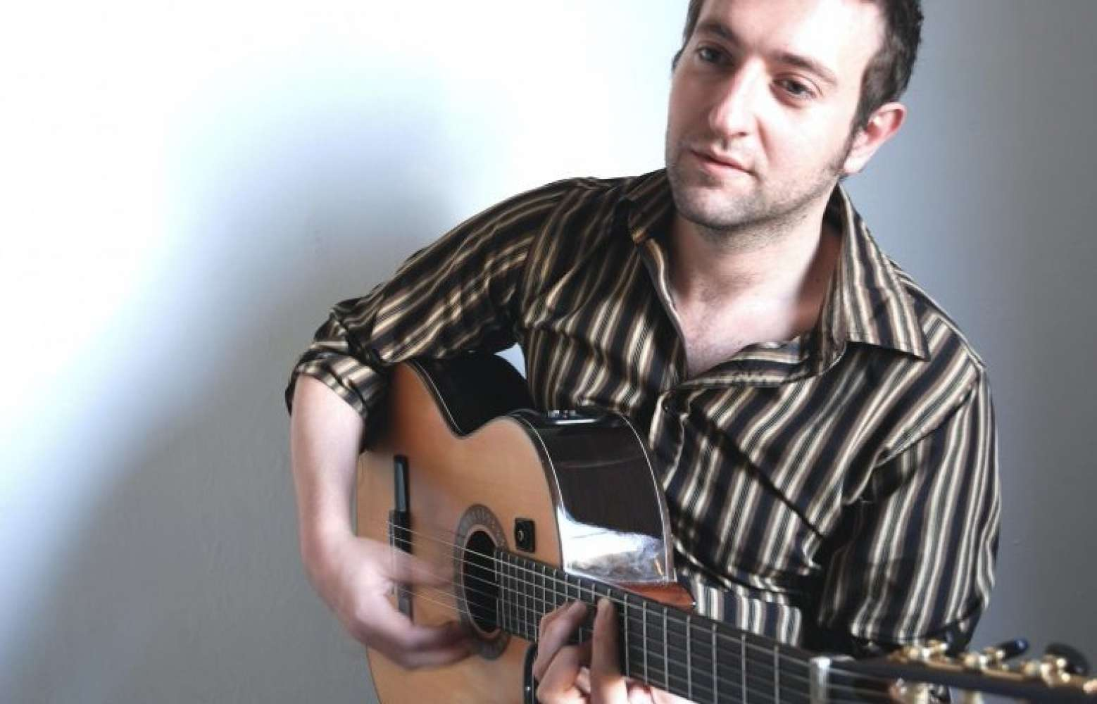 Andres G | London Spanish & Flamenco Guitarist For Hire