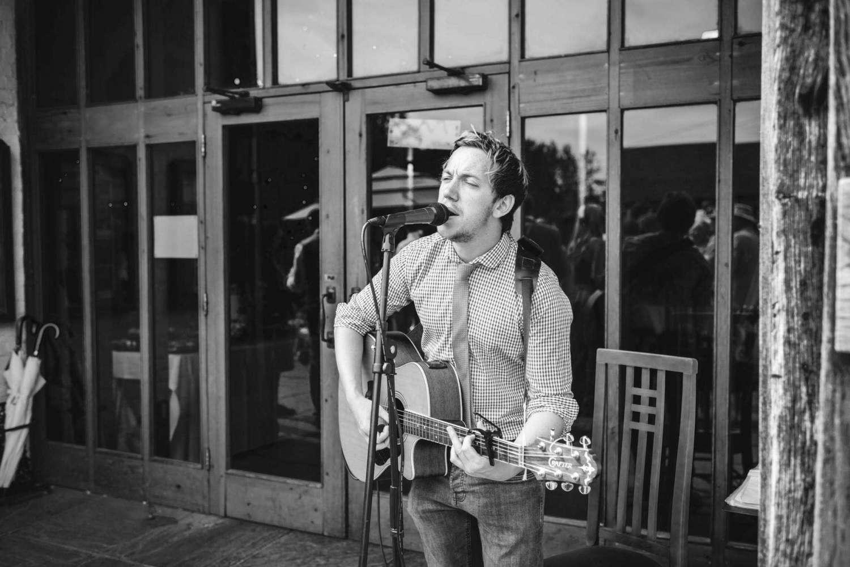 Bert Taylor | Brighton Singer Guitarist For Hire