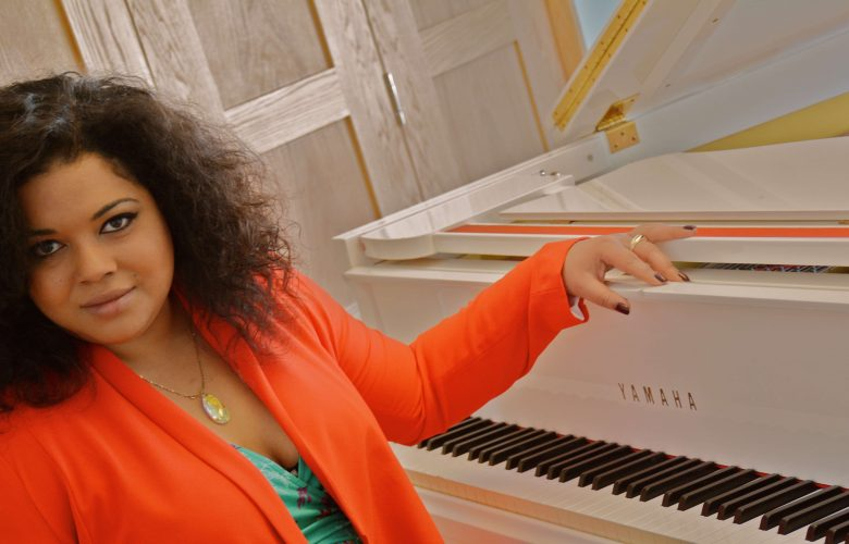 Fc Frankie Lewis Pianist Singer Main 2