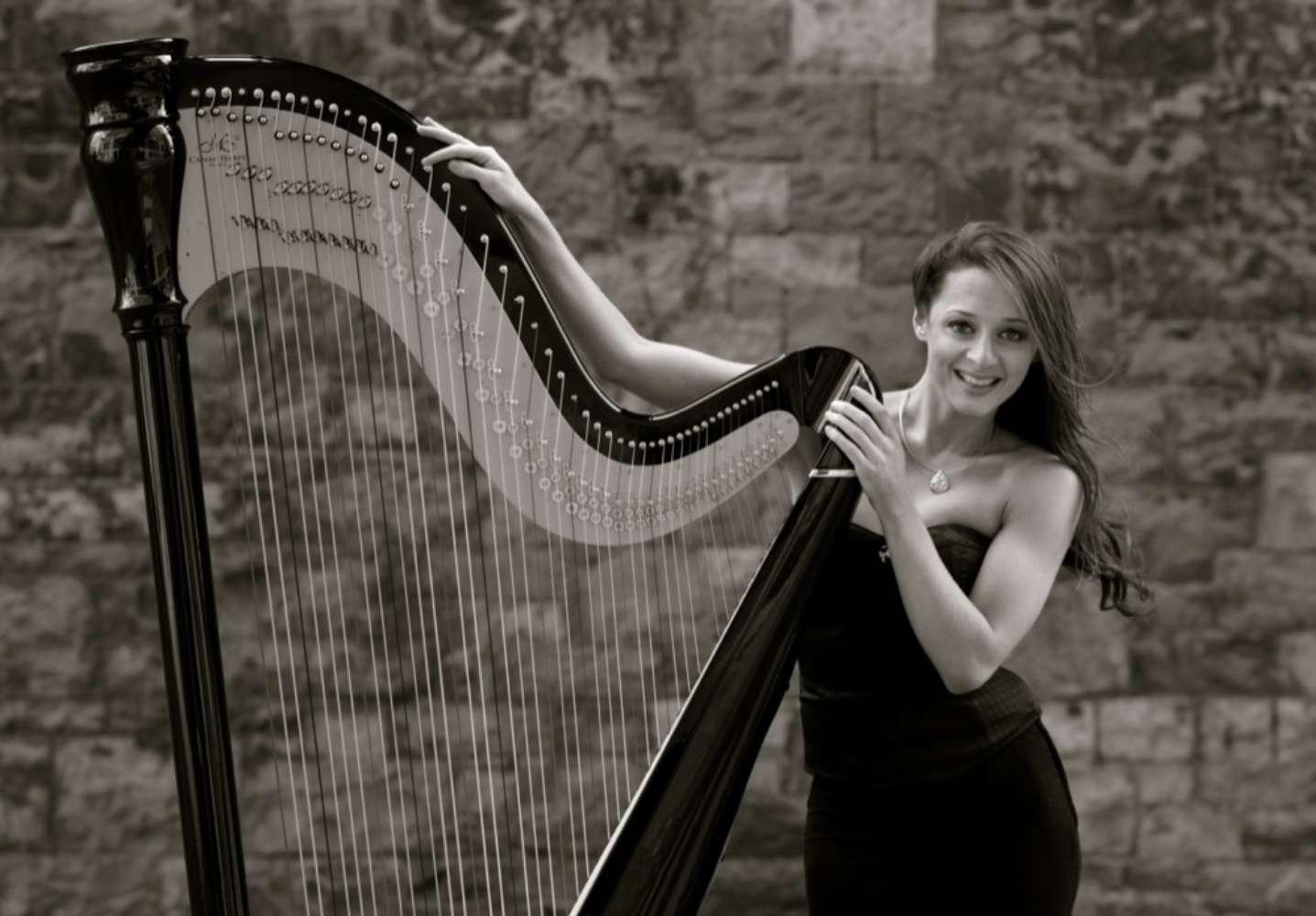 Seana Solo Harpist London Main
