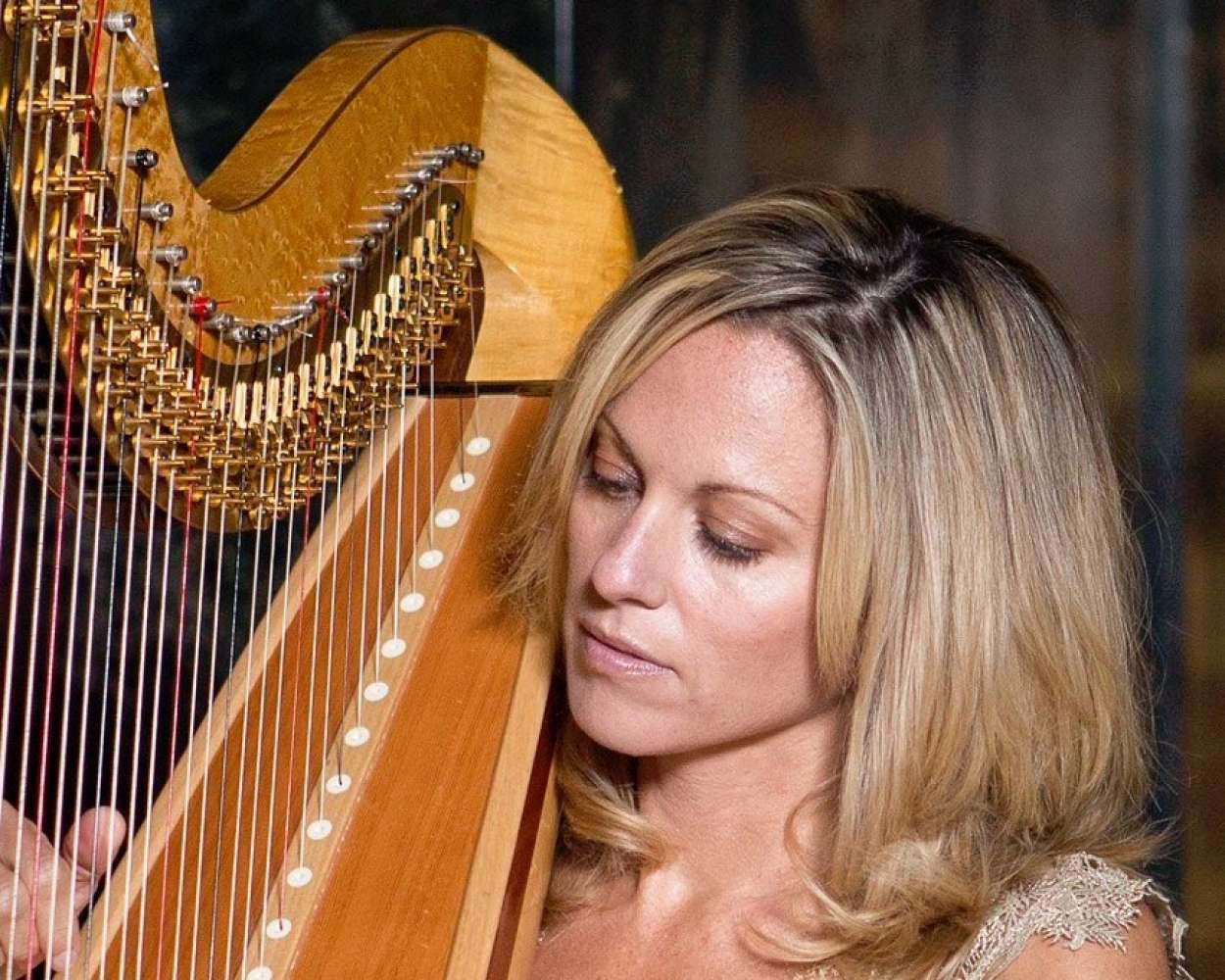 Siobhan Marie | London Harpist For Hire