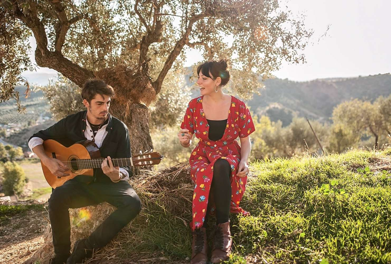 The Soft Steppers | Hampshire acoustic duo hire