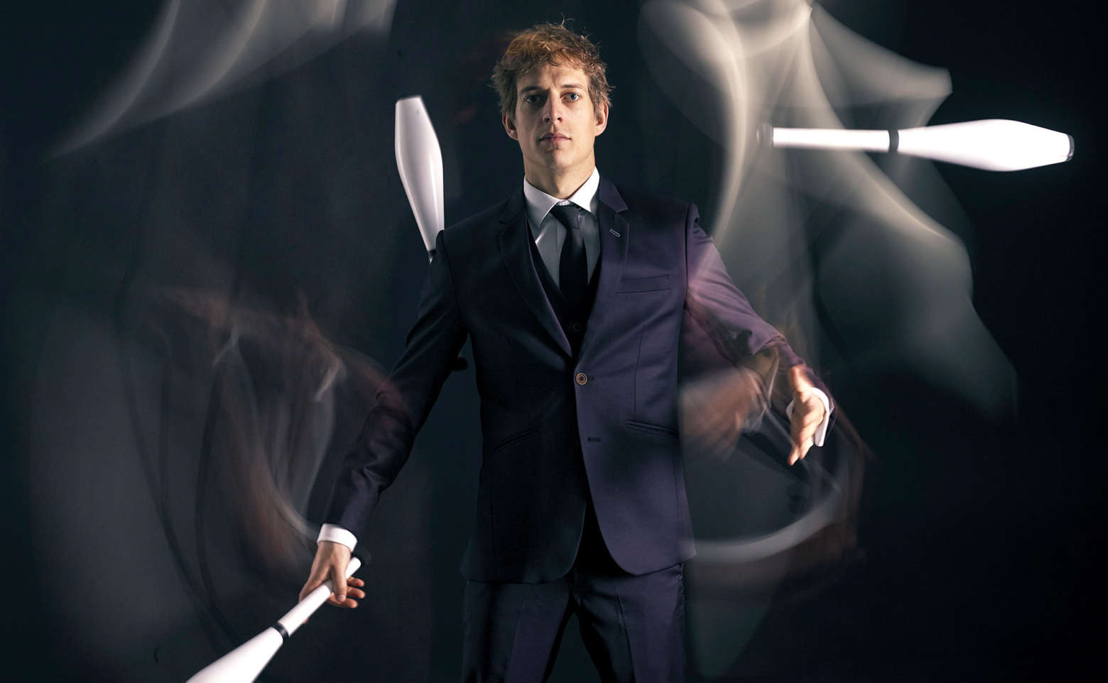 The comedy juggler promo shot