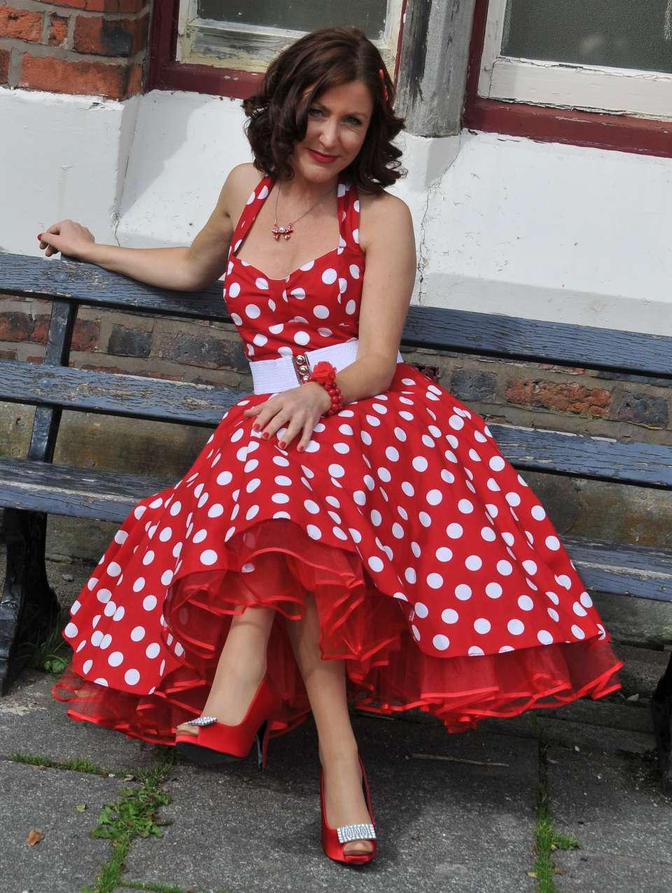 Alice Snow Scotland Female Singer 3