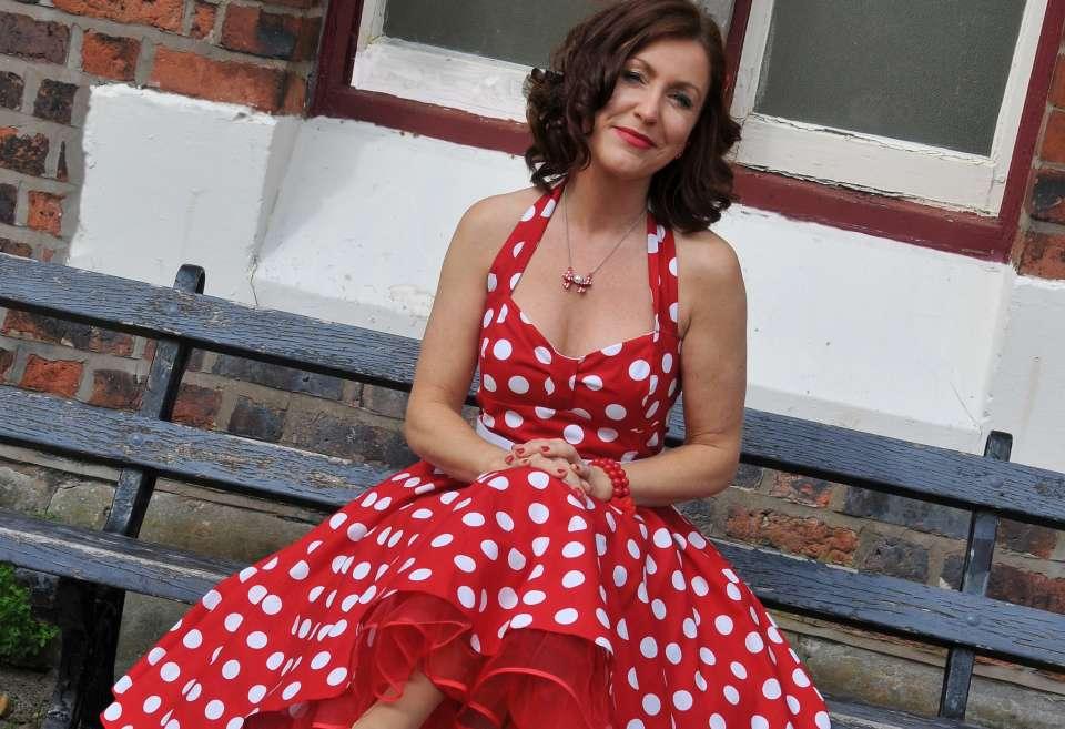Alice Snow Scotland Female Singer MAIN
