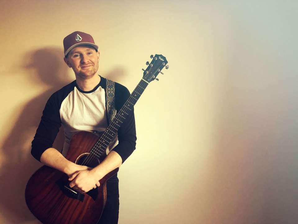 Ben Rox acoustic guitar singer