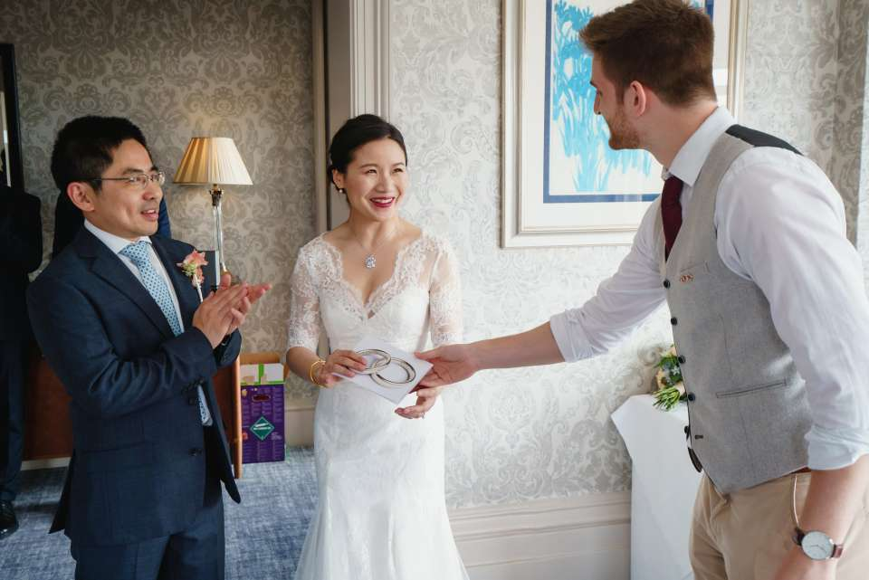 Contemporary Magic | Wedding Magician