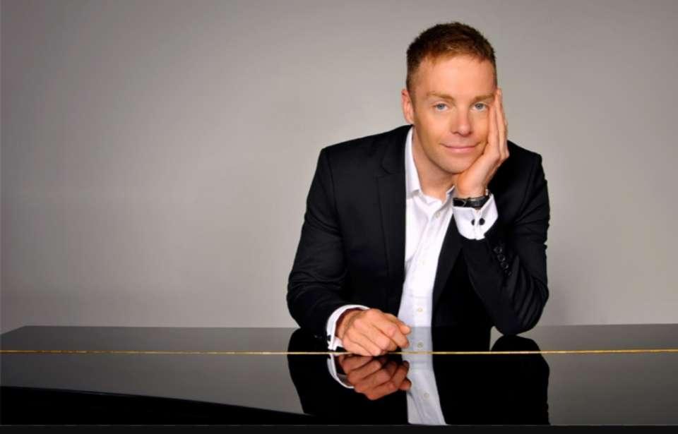 Lee J Pianist