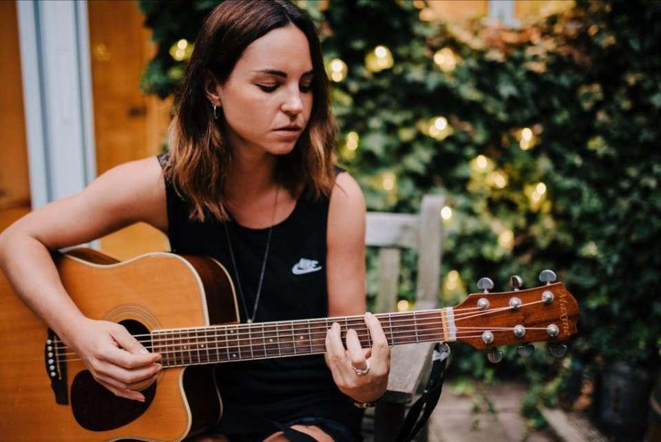 Stephanie Blue Guitarist London