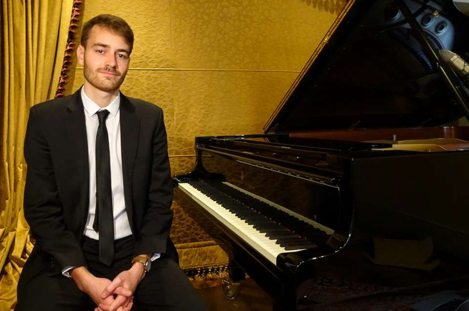 Archie Christopher | London Pianist For Hire