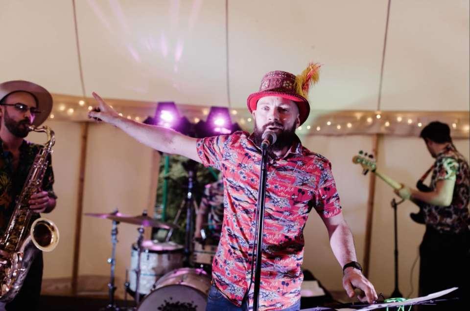 Caoire simon fun times wedding review