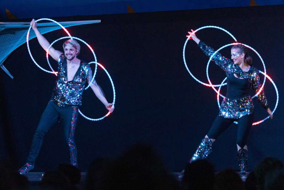 Duo Elliptical | London Circus Performer For Hire