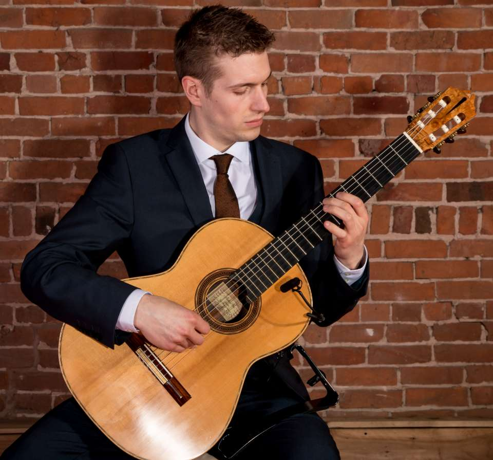 Ed Patrick | Staffordshire Classical Guitarist For Hire