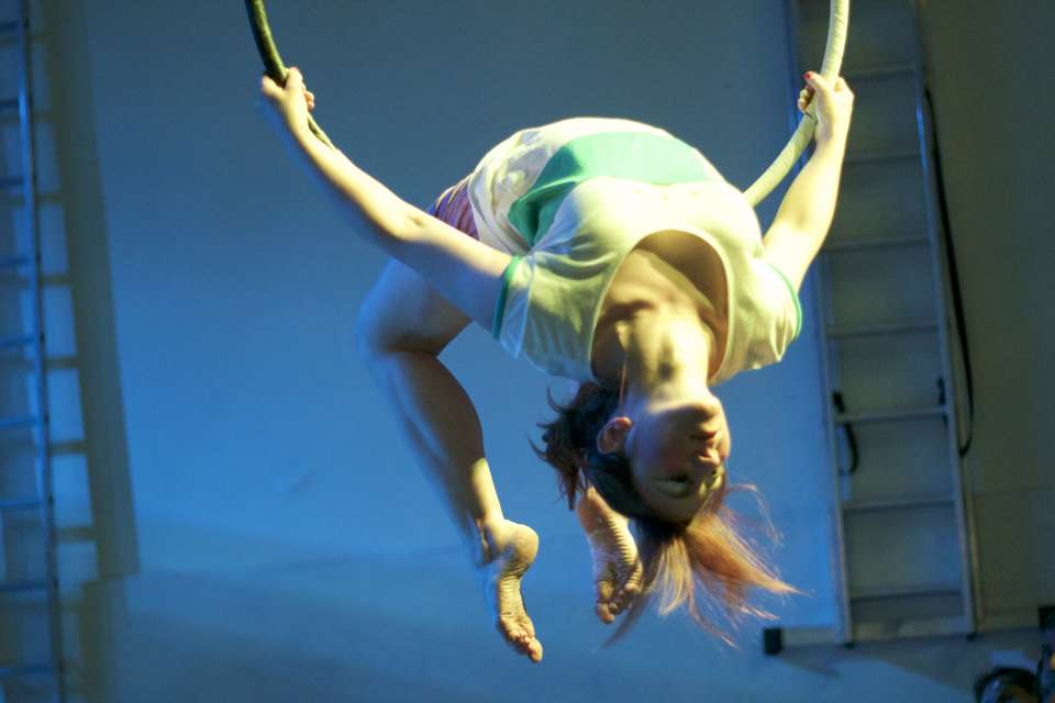 Hoop & Silks | London Circus Performer For Hire