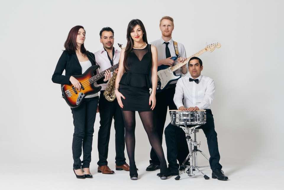 Hubert rocks wedding band20