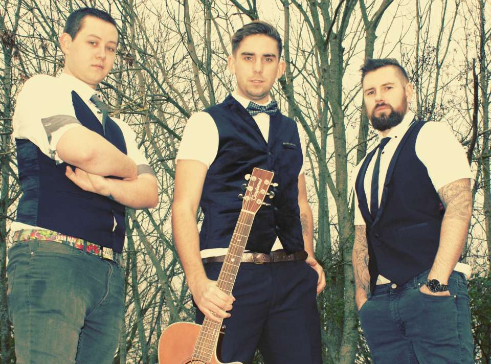 The Jammin Cats | Bristol Acoustic Band For Hire