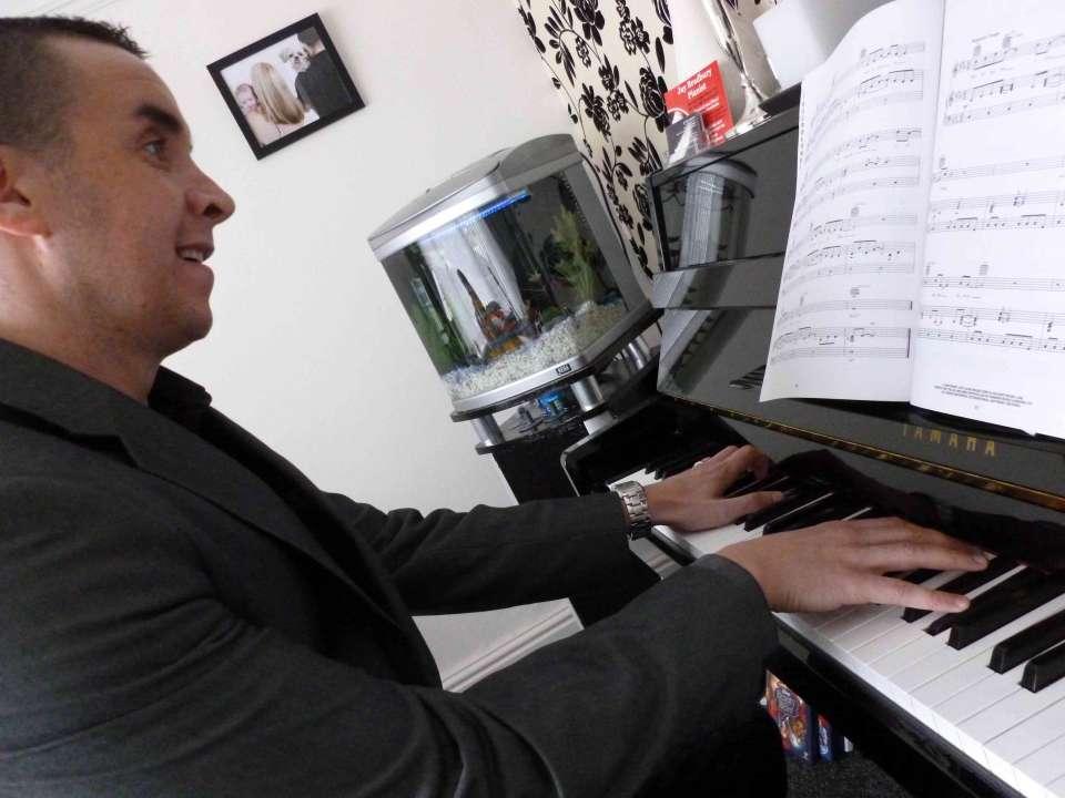 Jay Pianist Liverpool Main 1