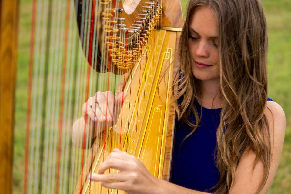 Lucy Estelle | Derbyshire Harpist For Hire