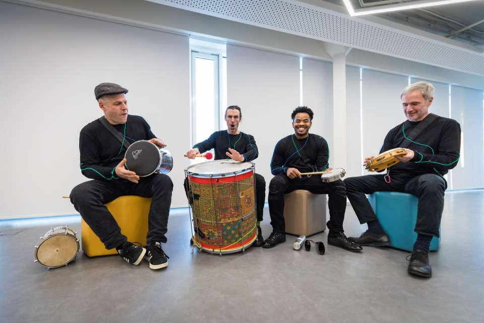 Samba central drumming3